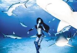 Su altında ölüm dansı
