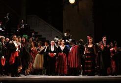 """Ferzan Özpetek'in """"La Traviata""""sı izleyiciyle buluştu"""