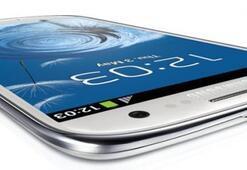 Sapasağlam bir Galaxy S4 geliyor