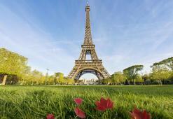 Eiffel Kulesi 300 milyonuncu ziyaretçisini ağırladı