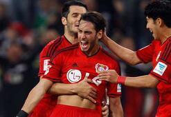 Hakan attı, Leverkusen liderliği sürdürdü