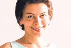 'Meclis muhabiriyken dişiliğimi bastırmışım'