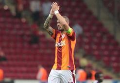 Sneijder taraftarlardan rica etti