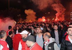 Samsunsporlular, maçı meydanda izledi