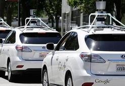 Googleın sürücüsüz aracı yola çıkıyor