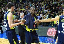Fenerbahçe Ülkerde derbi bayramı