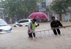 Şiddetli yağış 14 can aldı, 72 kişi kayıp