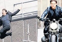 Tom Cruise göreve geri döndü