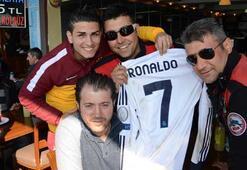 Ronaldonun formasını yunus polisleri korudu