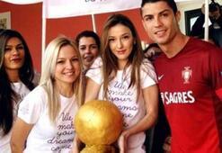 Kadın hayranlarından Ronaldoya Ballon dOr jesti
