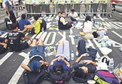 Hong Kong lideri göstericileri reddetti