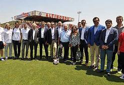 Ali Koçtan Altınordu Kulübüne ziyaret