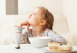 Yemek seçen çocuğa yemek yedirme yolları