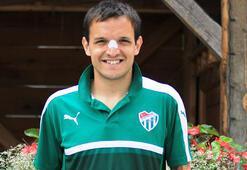 Batalla, Türkiyede Bursaspordan başka bir takımda oynamayacağını söyledi