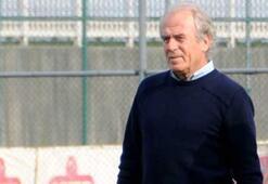 Mustafa Denizli 11 futbolcuyu sildi