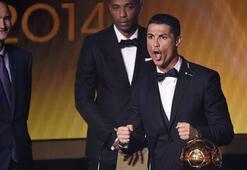 Cristiano Ronaldo Altın Top Ödülünün sahibi oldu
