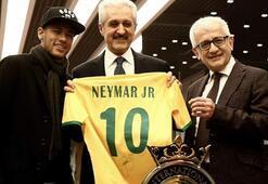 Neymara hoş geldin hediyesi