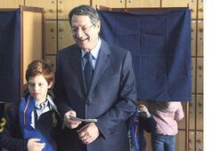 Güney Kıbrıs liderini ikinci tur belirleyecek
