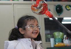 Çocuklar cam sanatı ile buluşuyor
