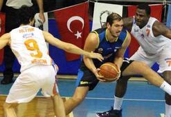 Fenerbahçe Ülker zirvede