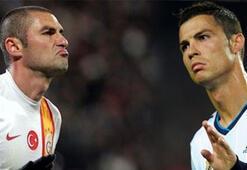 Burak, Ronaldoya kafa tutuyor