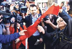 Rumlar paraya kavuştu olan Türk bayrağına oldu