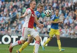 Ajax liderliğini sürdürdü