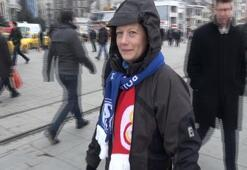 Schalke taraftarı Taksimde