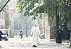 Papa'dan Auschwitz'de sessiz ayin