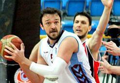 Beşiktaş, Trabzonsporlu basketbolcu Sertaç Şanlı  oyuncu ile anlaştı