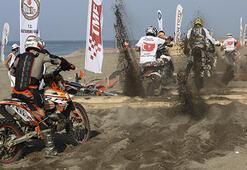 Demokrasi Şehitleri Kupası Motosiklet Kumsal  Yarışları sona erdi
