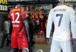 Drogba ve Ronaldo formalarına büyük ilgi