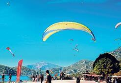 Fethiye'de rengarenk gökyüzü