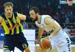 Fenerbahçe Ülker liderliğini sürdürdü