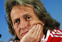 Benficanın basın toplantısında tercüman skandalı