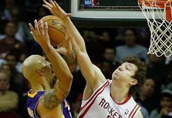 Ömerli Houston Lakersı yıktı
