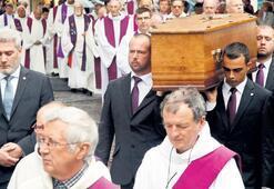 Öldürülen papaz için dini ayin
