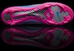 Nike Mercurial Vapor III Krampon