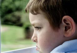 Kepçe kulaklar çocuklarda özgüven eksikliğine neden oluyor