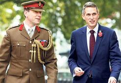 İngiltere Savunma  Bakanı istifa etti