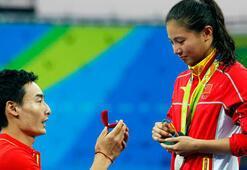 Rioda sürpriz evlilik teklifi