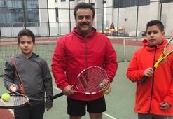 Bülent Serttaşın tenis aşkı
