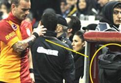 Sneijder oyundan alındı çıldırdı