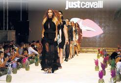Cavalli defilesine Türk çıkarması