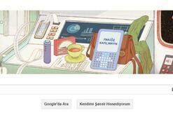 Douglas Adams - Otostopçunun Galaksi Rehberi yazarına Google doodle