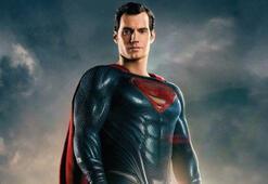 Superman film boyunca bıyıklıymış