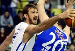Anadolu Efes, Brose Baskets ile oynuyor