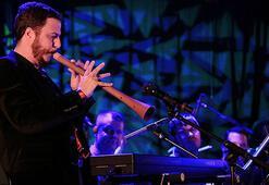 Pariste Mehmet Ali Sanlıkol konseri
