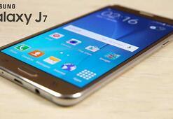 Samsung J7 uçuş sırasında paniğe yol açtı