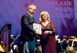 D-Marin'den İdil Biret'e Onur Ödülü